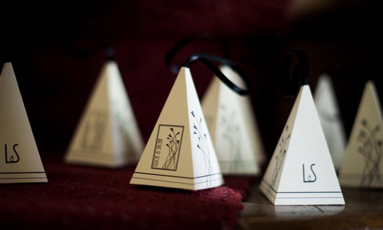 faire-part-personnalisé-boite-dragée-pyramide-amiens