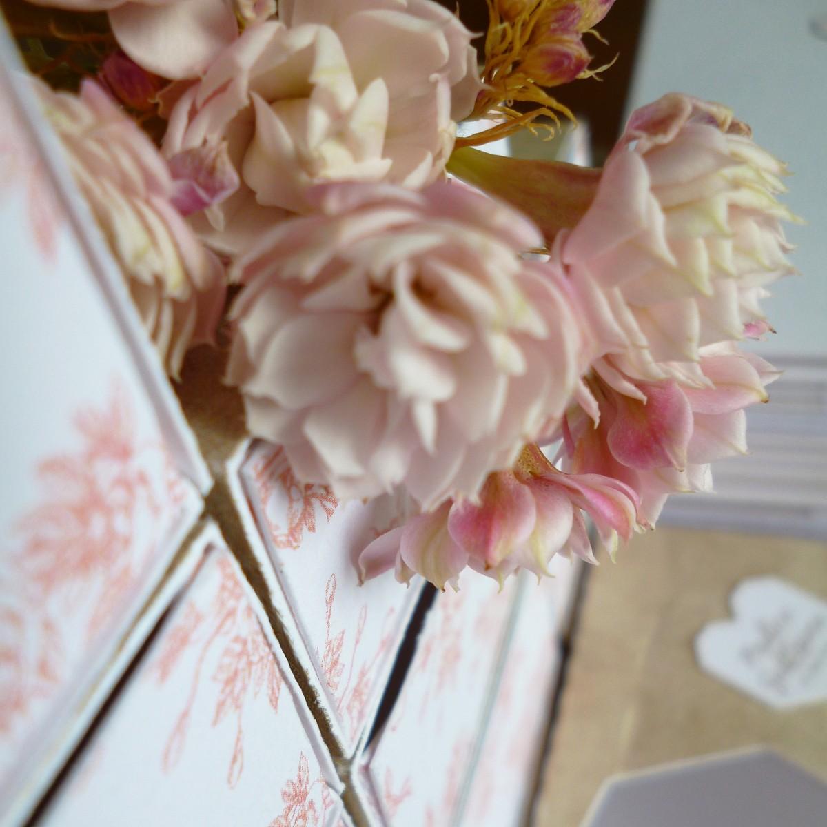 faire-part mariage personnalisé pliage origami rose vintage fleur chateau verderonne