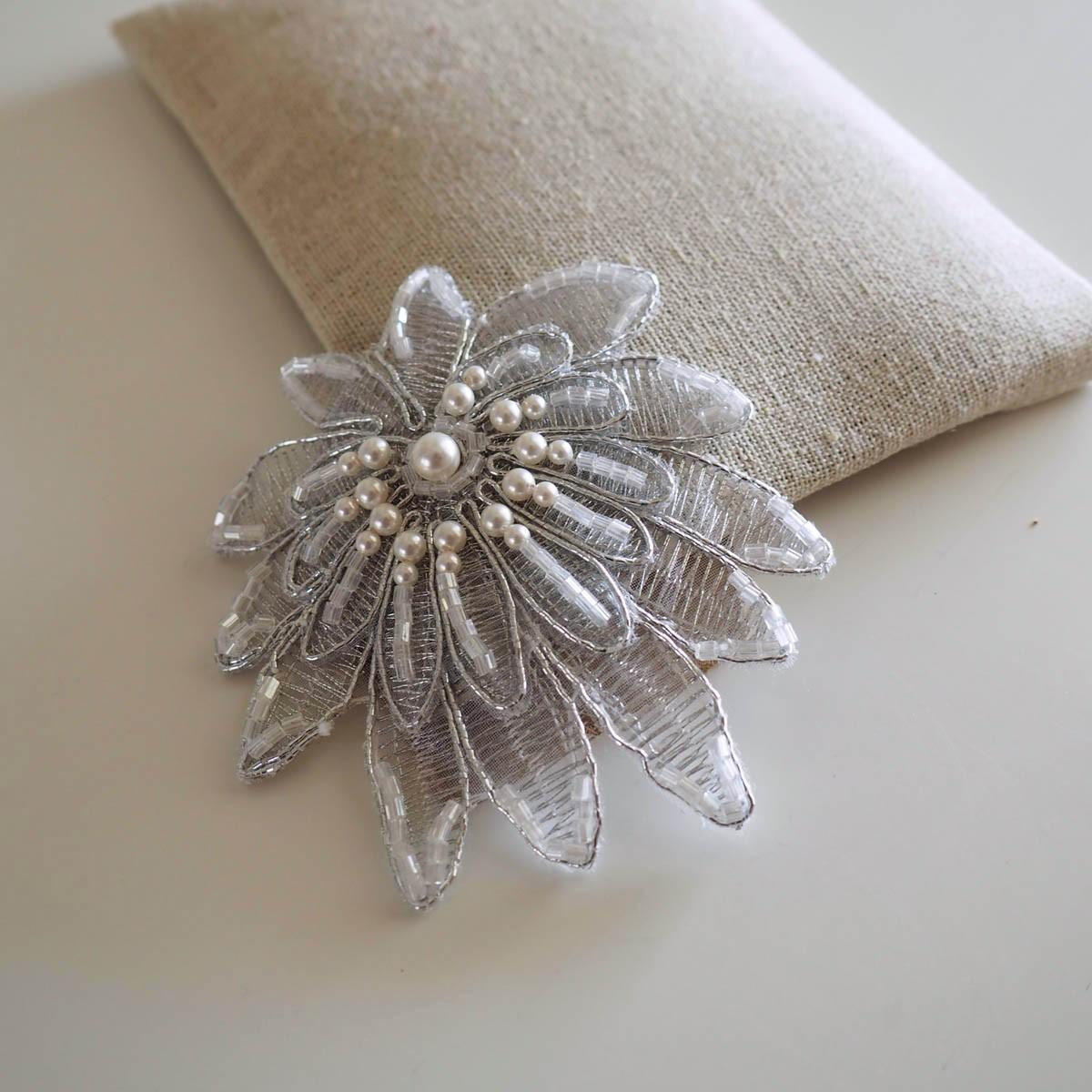 bijoux cheveux mariage dentelle couronne mariage perles cristal. Black Bedroom Furniture Sets. Home Design Ideas