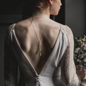 collier de dos de mariée boho folk esprit plage