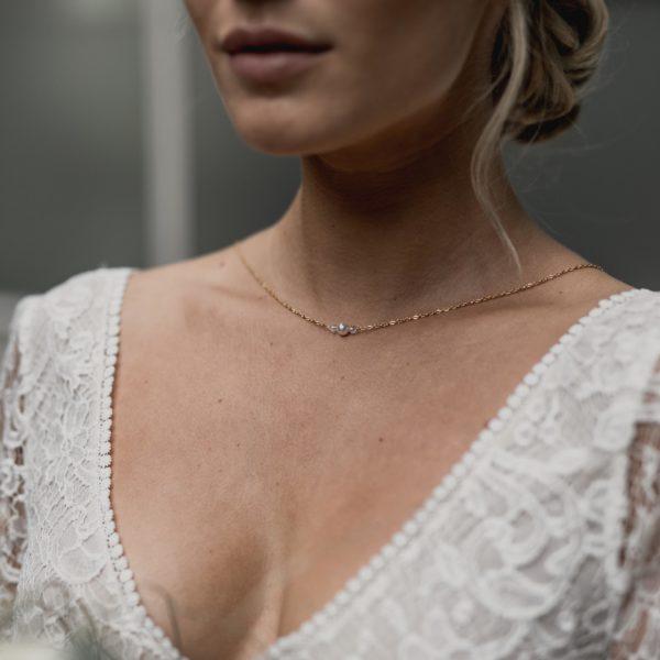 Collier de mariage simple avec une perle