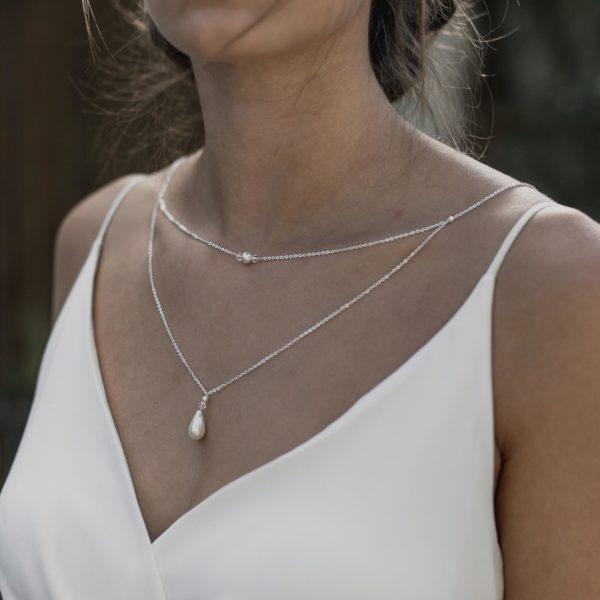 collier de mariage simple avec goutte en perle