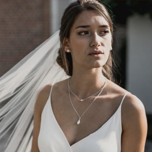 collier de mariage pendant avec une goutte en perle