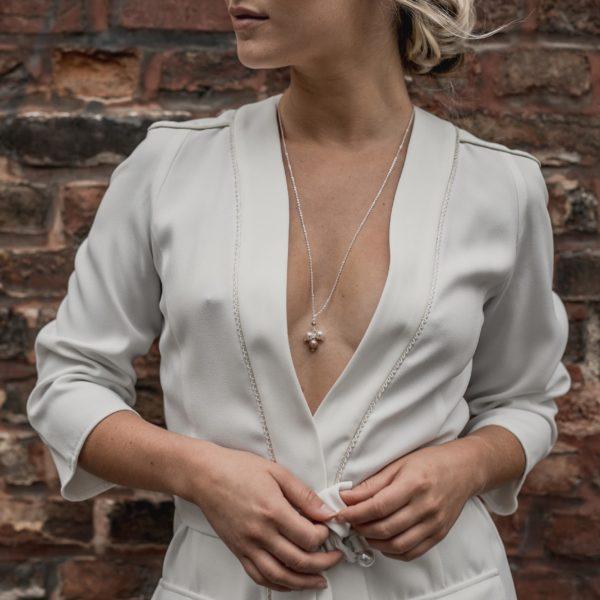 collier sautoir de mariage pour robe décolletée de mariée