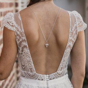 collier de mariage pour robe de mariée dos nu avec des perles
