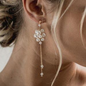 boucles d'oreilles de mariage longues en perles en forme de grappe
