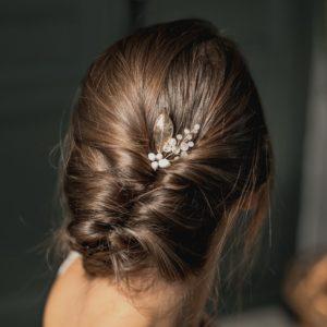 bijou de cheveux mariage en perle et feuille dorée pour coiffure de mariée