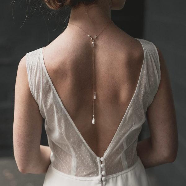 Bijou de mariage pour robe dos nu avec des gouttes en perles