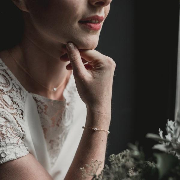 bracelet de mariage simple avec des petites perles