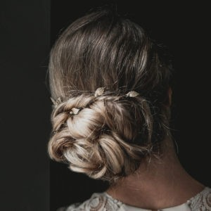 epingle à chaveux pour coiffure de mariage avec feuille et perle