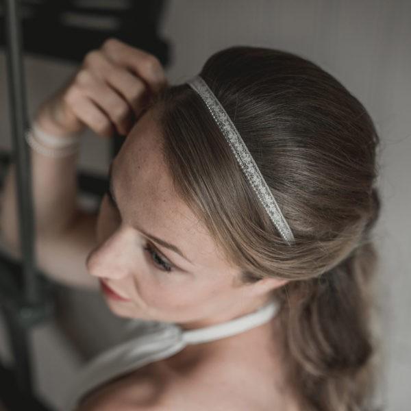 bijou de cheveux de mariage en dentelle avec des perles
