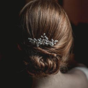 peigne de mariage avec des perles et graines
